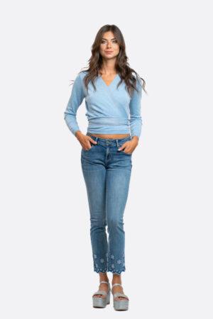 Jeans con ricamo in sangallo