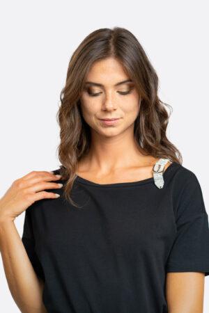 T-shirt spallina in strass