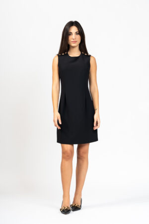 Sleeveless buttoned dress