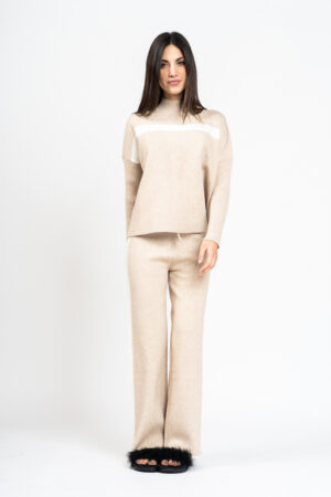 Wide knit trousers